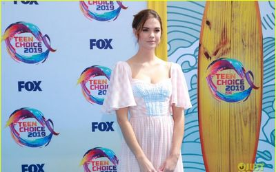 Maia Mitchell Wears A Sweet Pink And Blue Dress For The 2019 Teen Choice Awards